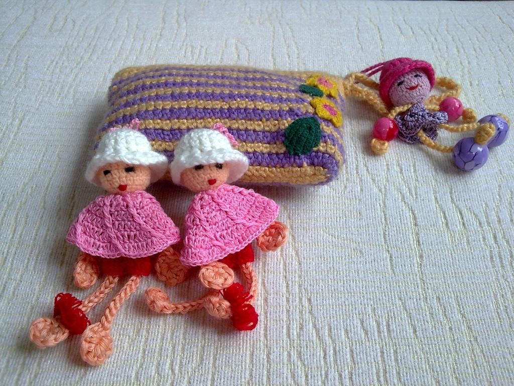 零钱包和可爱的娃娃吊饰