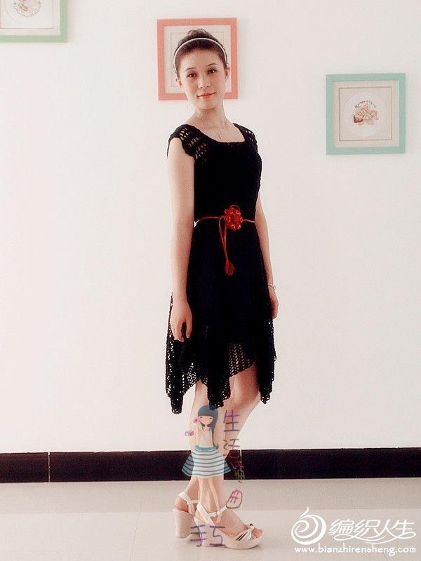 黑裙摆飘起来4.jpg