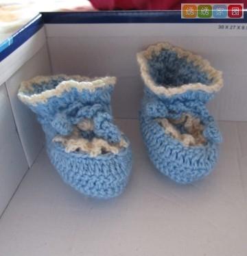 送给宝宝的爱心鞋