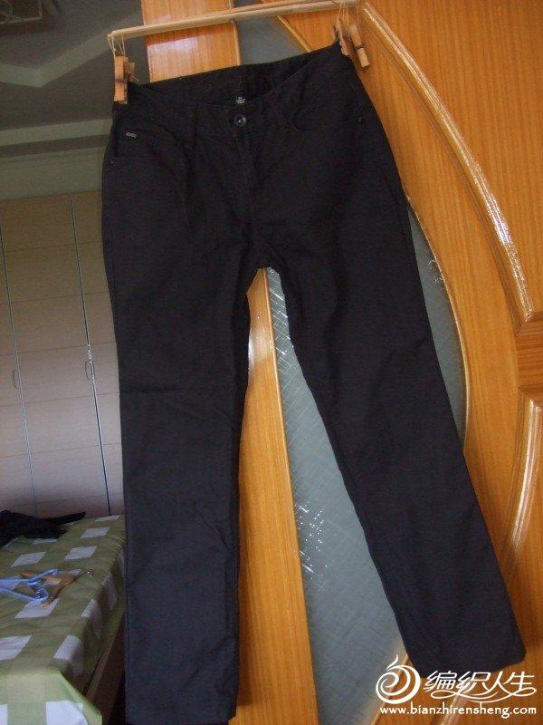 森马品牌黑色牛仔裤,26码的,只穿过一次,原价90元,现价20元