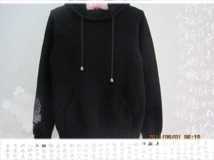 11Z4 黑色卫衣挂.jpg