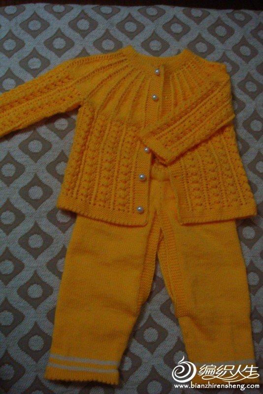 黄色毛衣.JPG