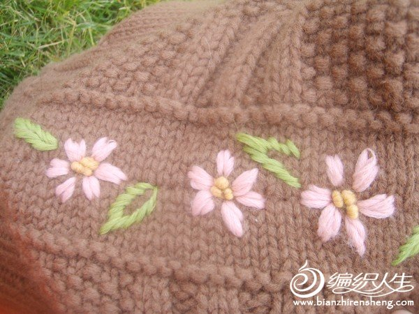 帽子绣花细节