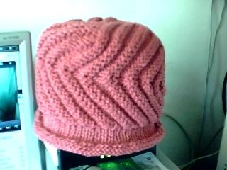 这是织好的成品帽--螺旋帽