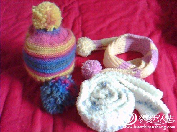 第一次学编织,为宝宝织的围巾帽子哦。。