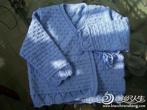 斜襟小衣,又织大了,织的时候总是怕小了,每回都这样,一成衣又大发了,不知道今年冬天小宝出来能穿不?