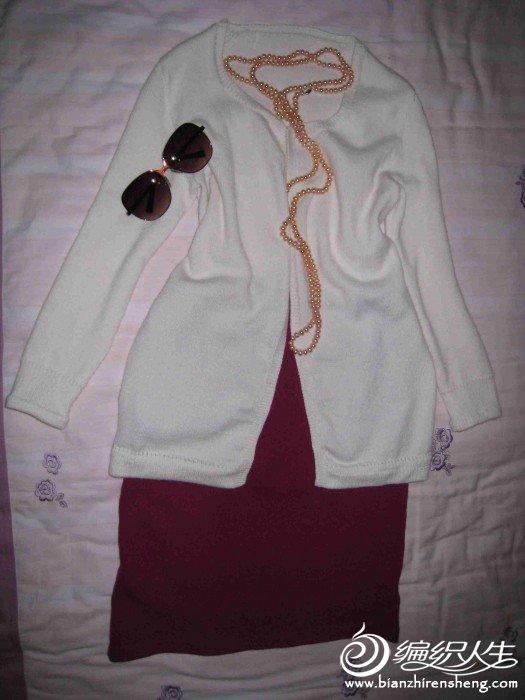 白色羊绒衫4.jpg