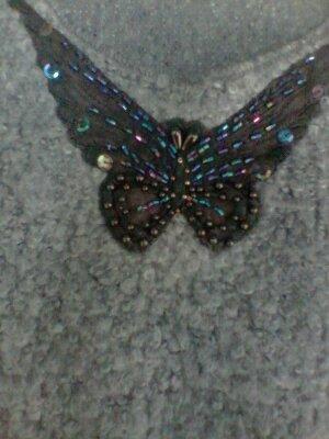 领部的蝴蝶