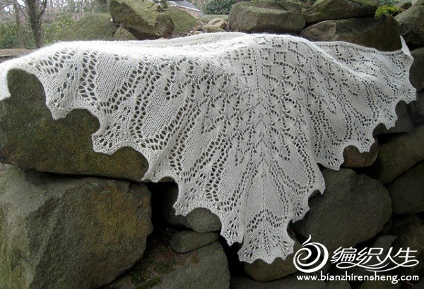 Metamorphosis%20Shawl%20by%20BadCatDesigns.JPG