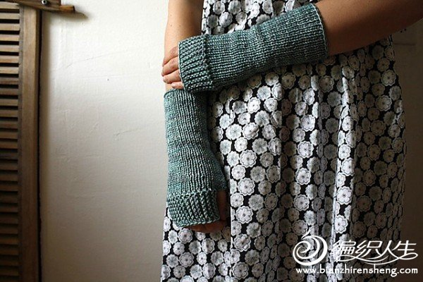 Camp Out Fingerless Mitts by tante ehm.jpg