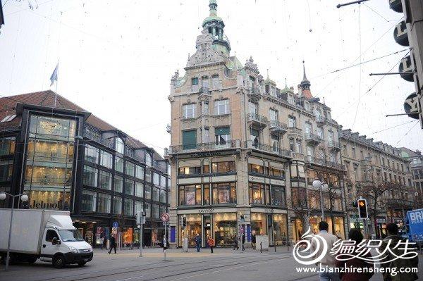 5,瑞士街头的景色,据说这街头的地下是瑞士的中央金库。.jpg