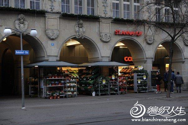 6,瑞士的商店排列商品很整洁.jpg