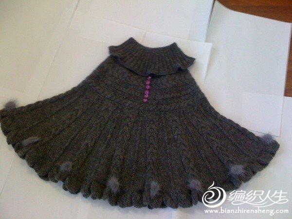 灰色斗蓬毛衣