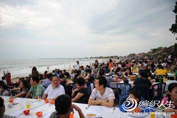 A11金兰湾海滩边的晚餐(全是中国人).jpg
