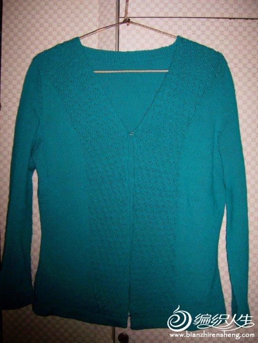 旧羊毛衫改织的开衫
