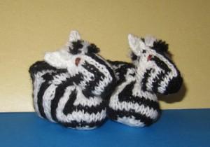 baby-zebra-boots-knitting-pattern-by-madmonkeyknits2-300x210.jpg