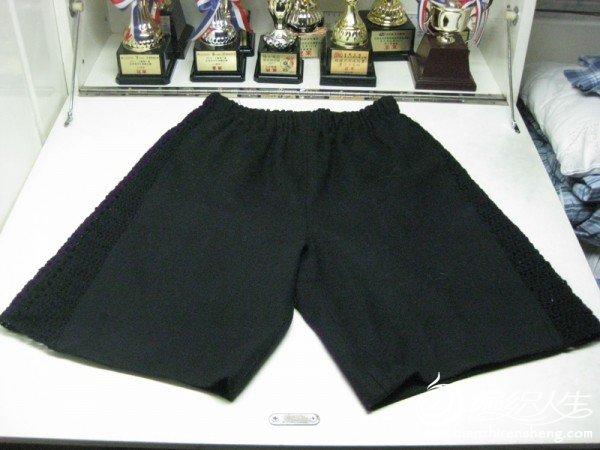 黑短褲.jpg