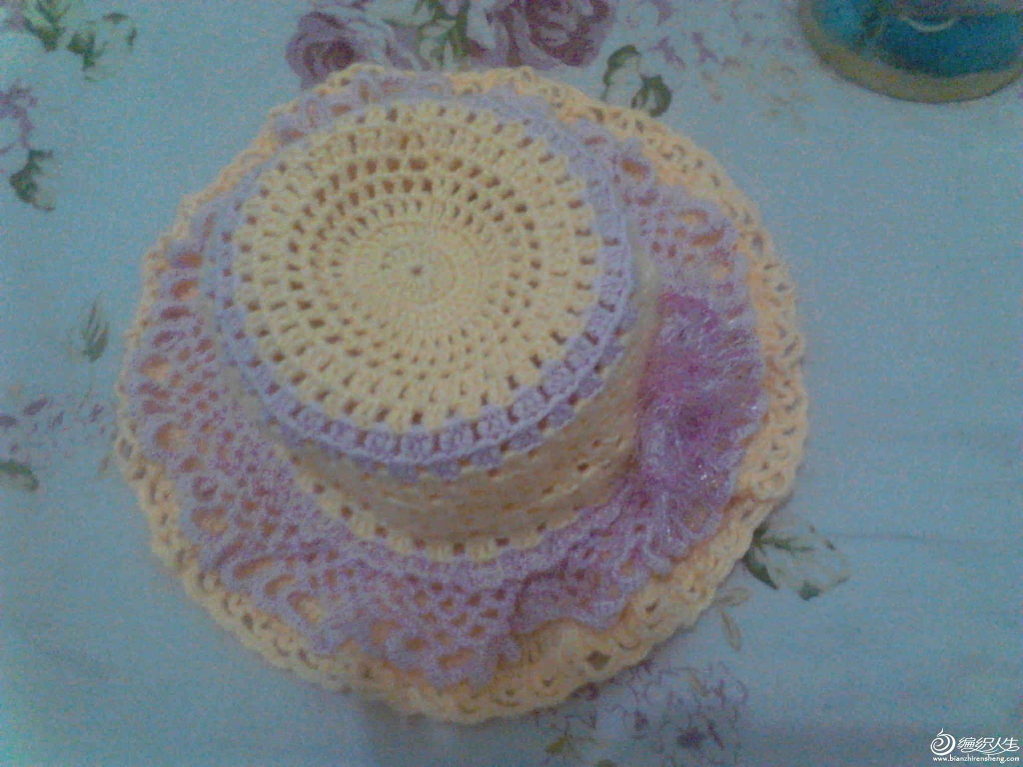 第一次的钩针作品,送给女儿的公主帽