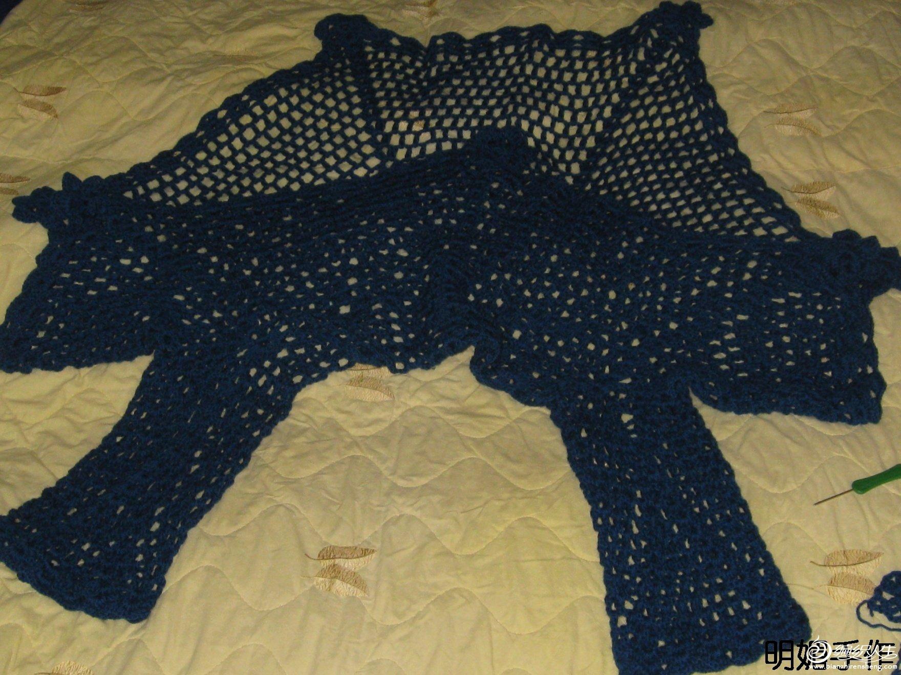 明媚手作(钩针):蓝玫瑰色七角型有袖桌布衣/披肩