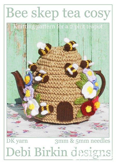 bee skep beehive tea cosy.jpg