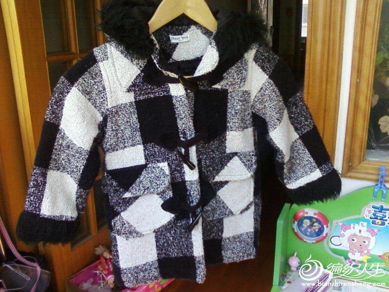 黑白格夹棉外套。七成新,1.0-1.1米,15元