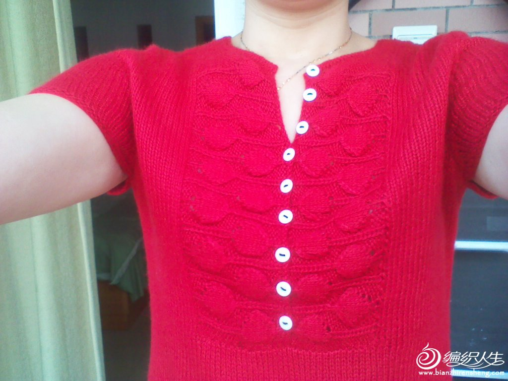 红色短袖套衫