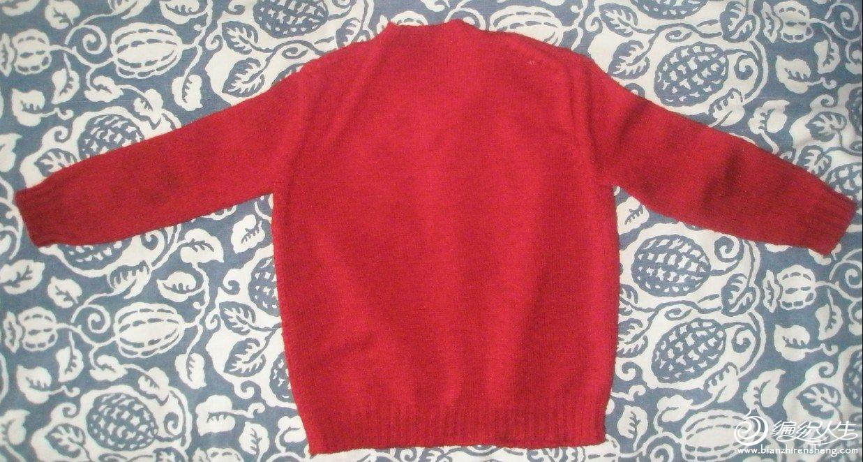 红绒衣后面.jpg