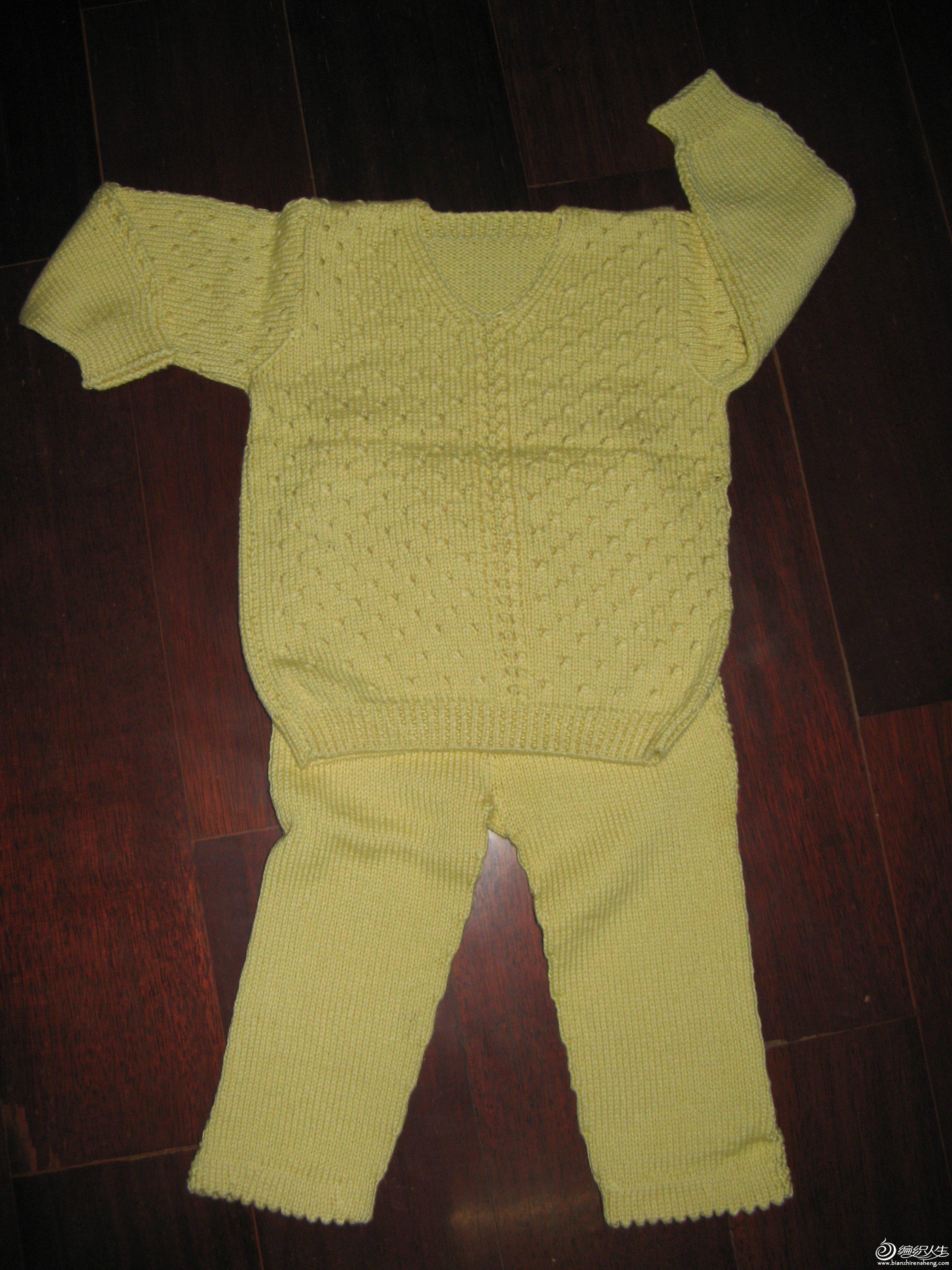 这是棉线套衫,适合初夏穿。