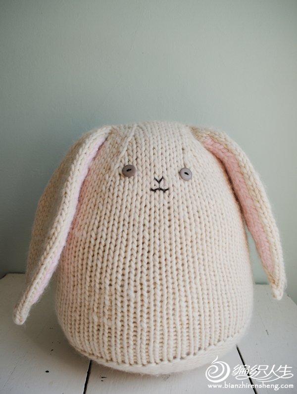 big-knit-bunny-1-600.jpg