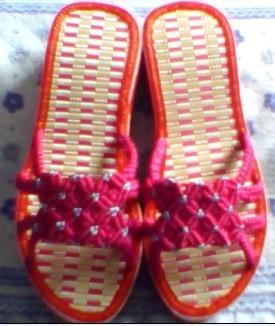 红拖鞋.jpg