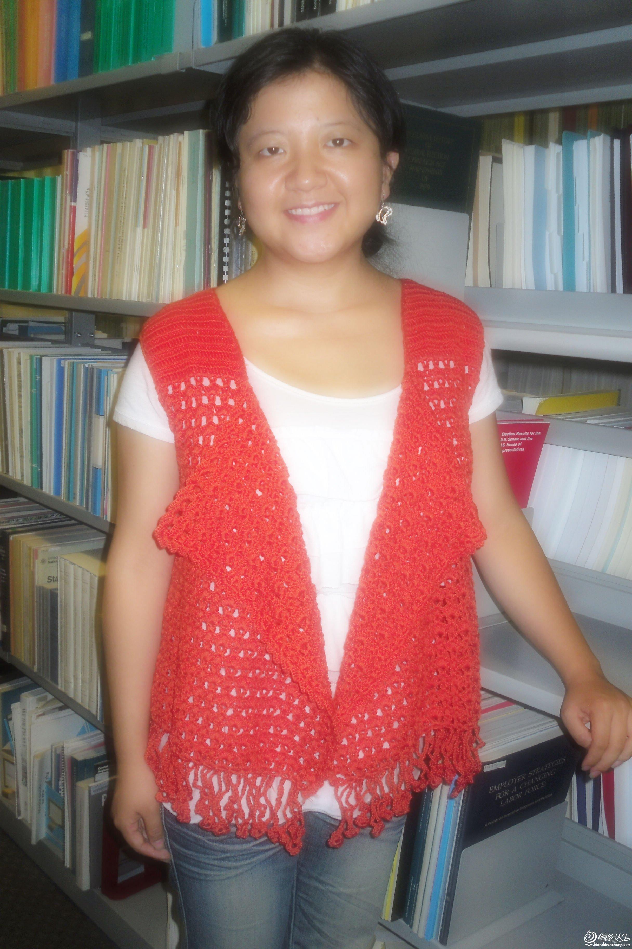 红色披肩衣4.jpg