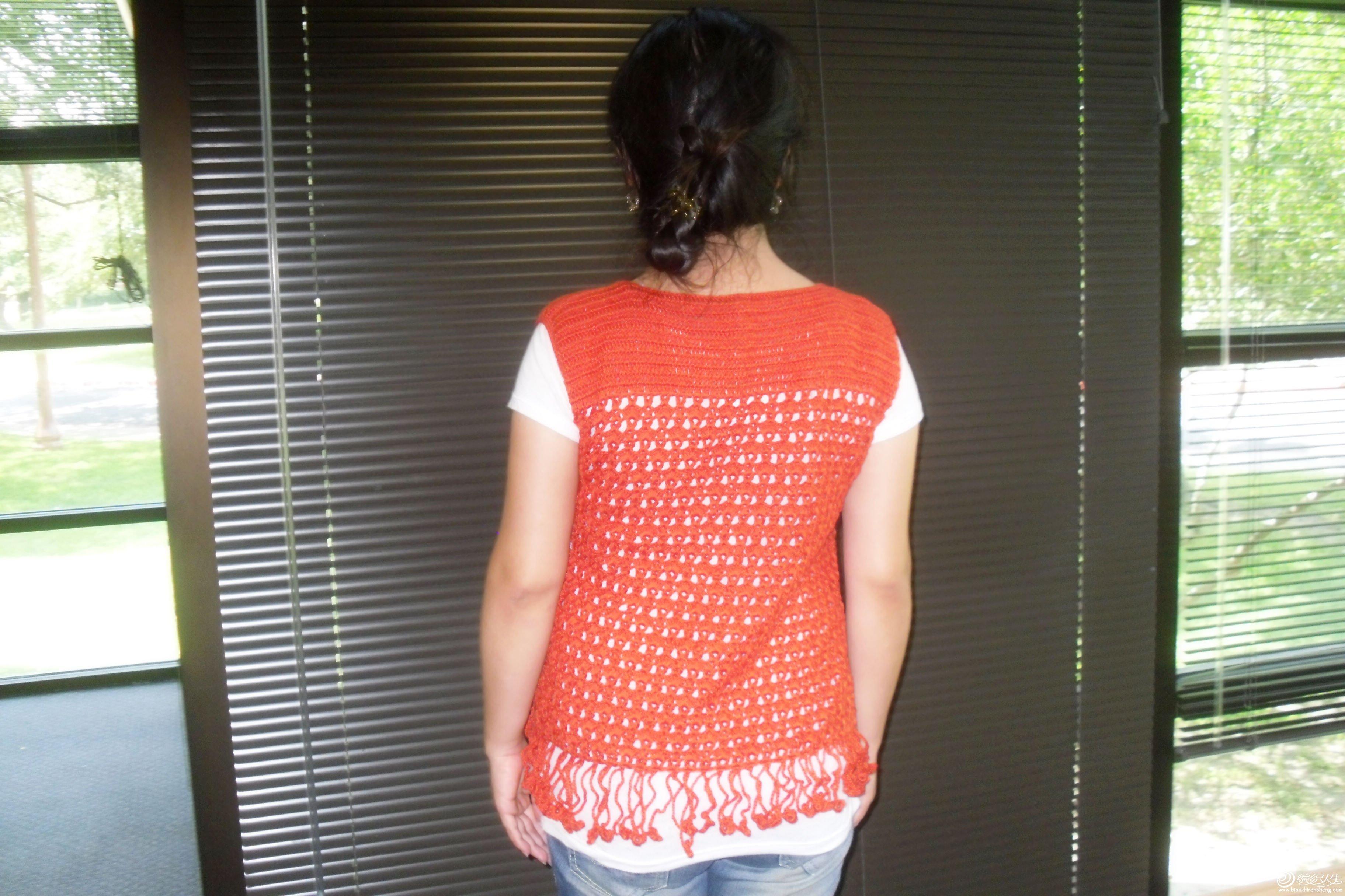 红色披肩衣2.jpg