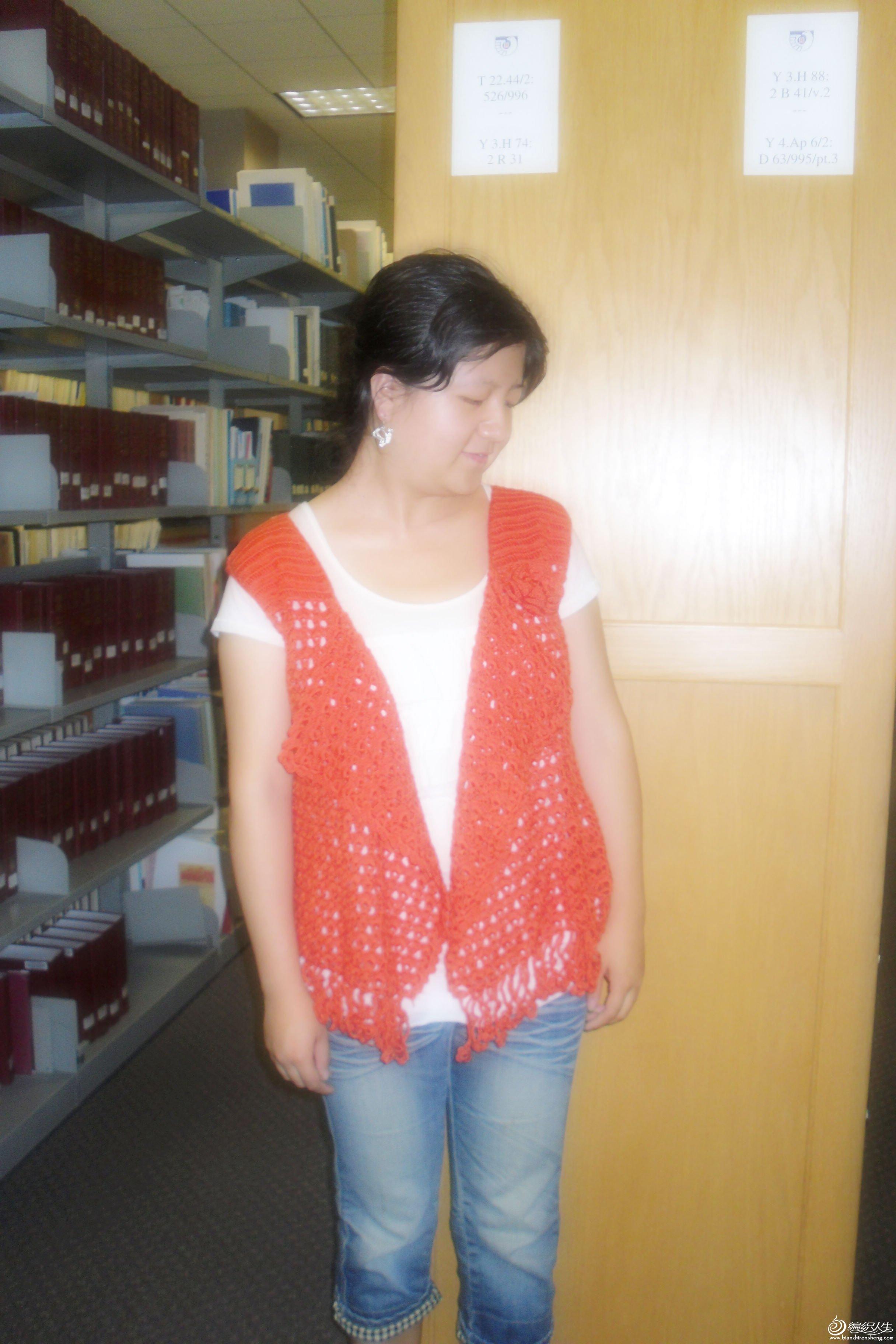 红色披肩衣5.jpg