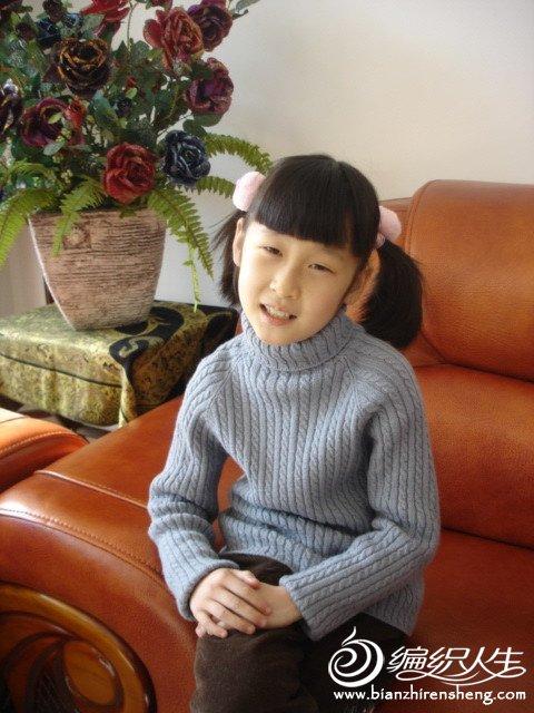 灰色弹力衫,穿了2代人,6年前2003年我织给自己的.JPG