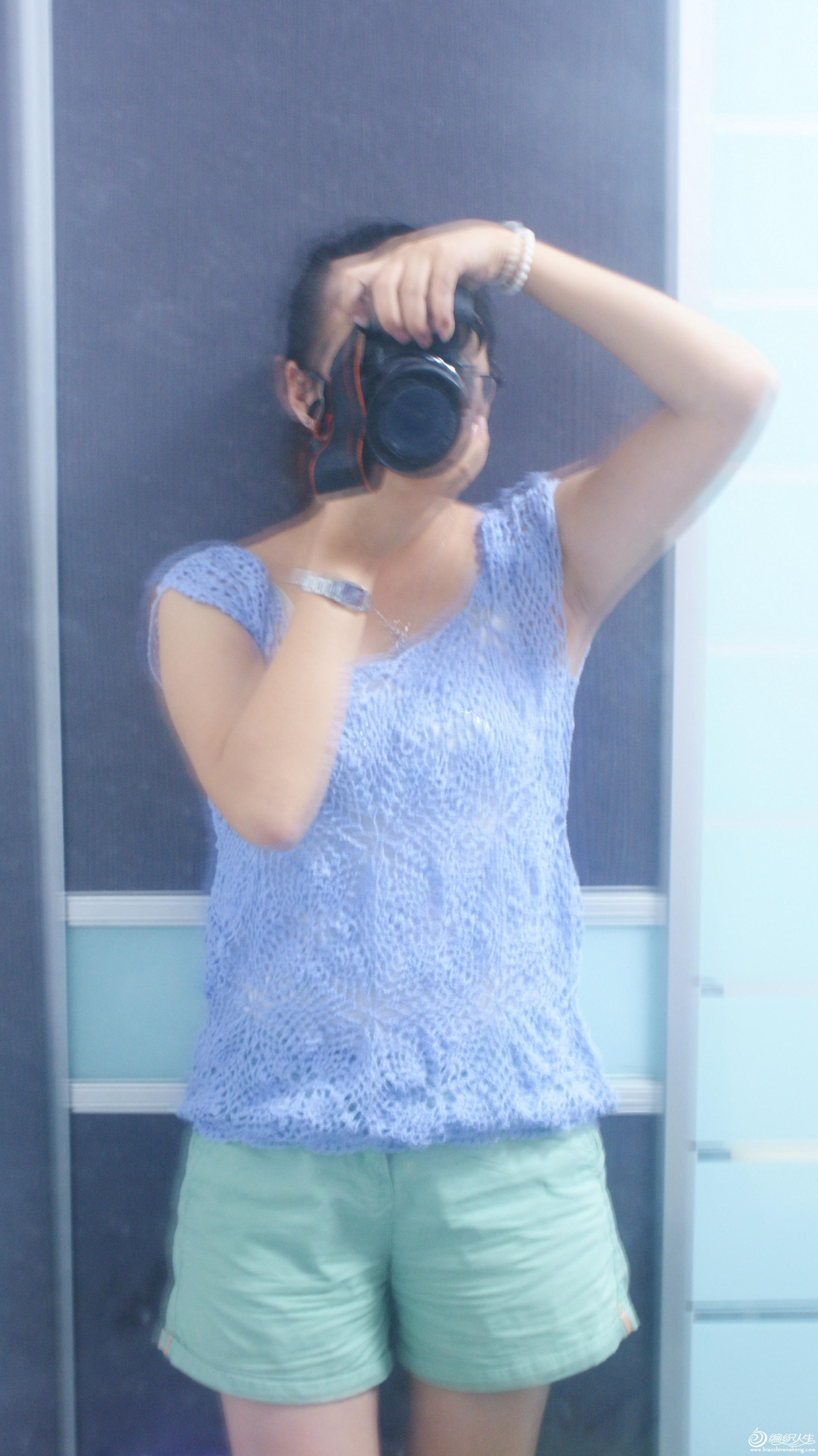 没人拍照,对镜自拍