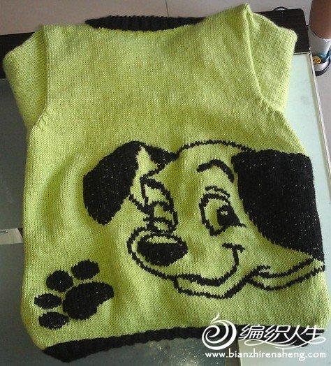 这件外套的小狗是绣上去的!