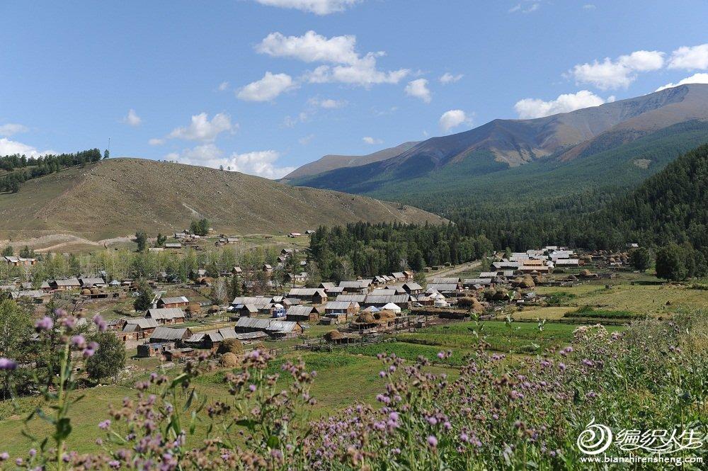 31,白哈巴村是最西北地区的村庄,我们是在边境哨所处从上往下拍的。.jpg