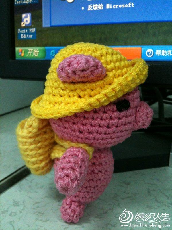 带凉帽的小猪01.jpg