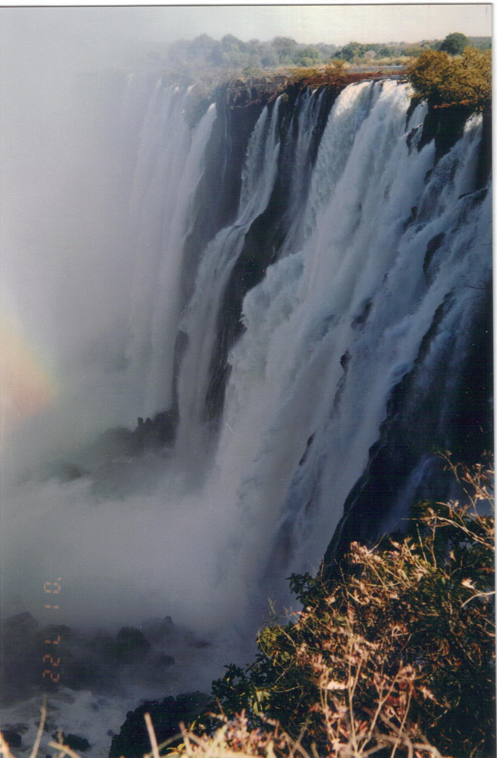非洲维多利亚大瀑布.jpg