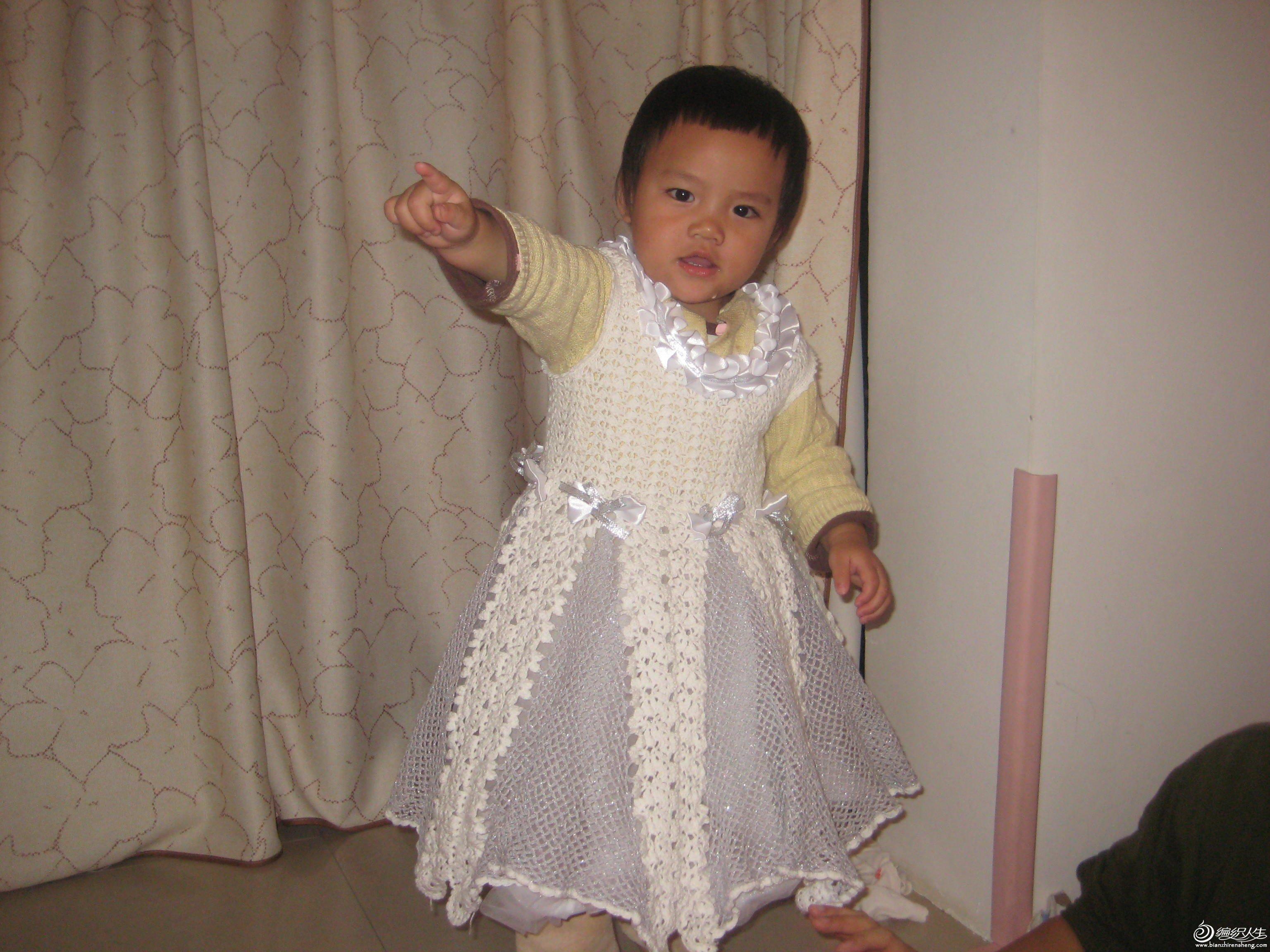还当心裙子不够泡,没想到上身后效果更好,泡泡的裙子,真是可爱级了