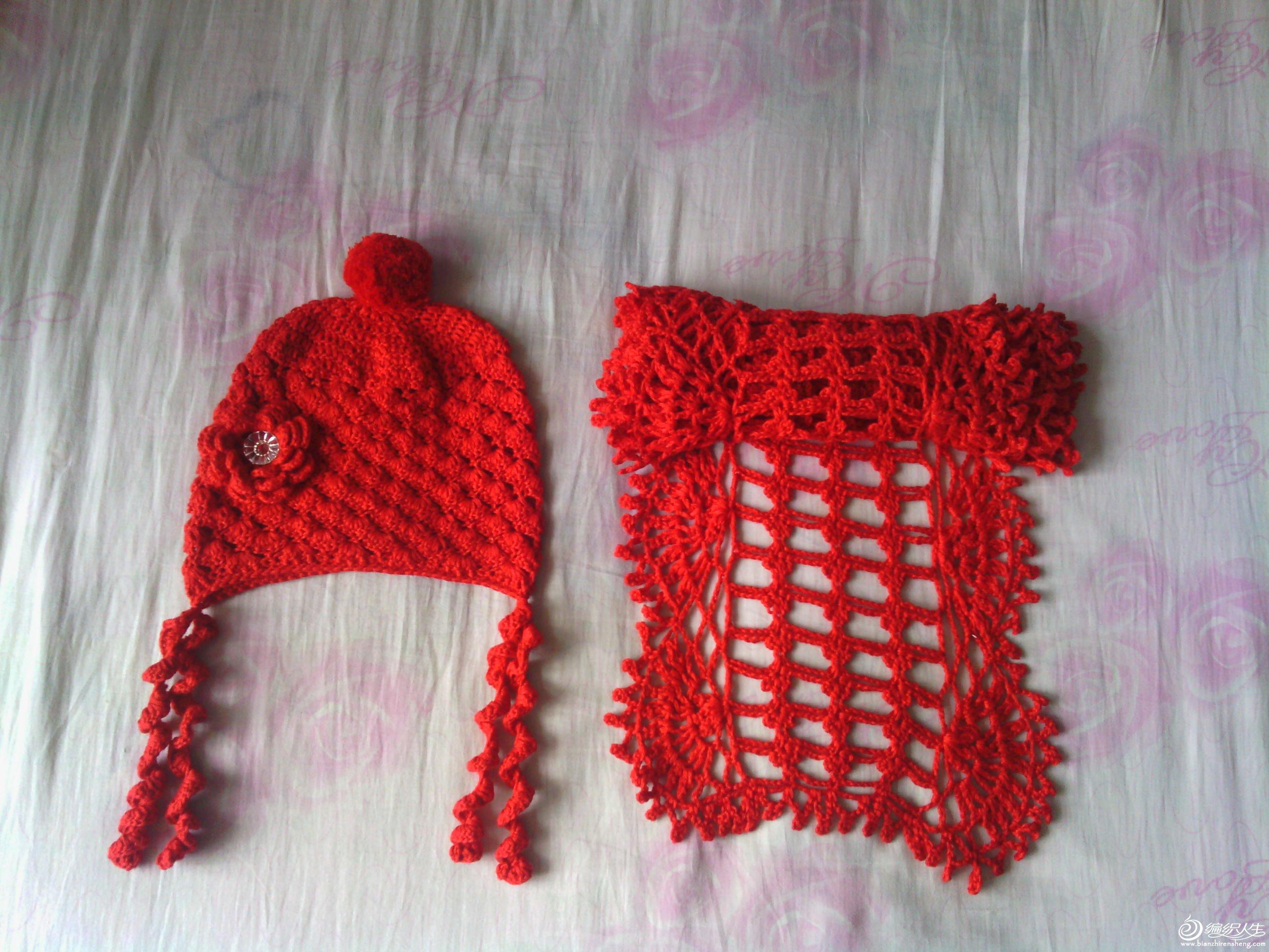 送给一个小姑娘的一套围巾帽子