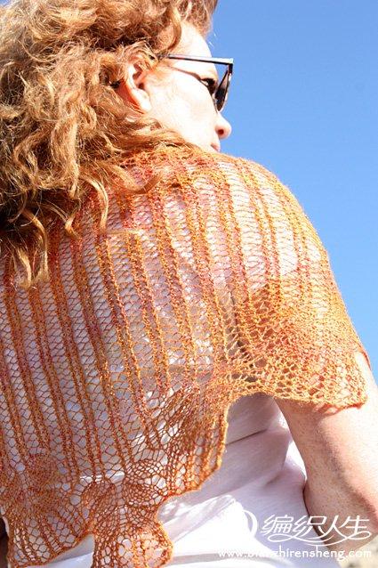 knitty-deepfall-2012-geschenk-orange.jpg