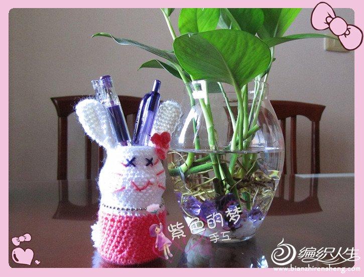 小兔笔筒4.jpg