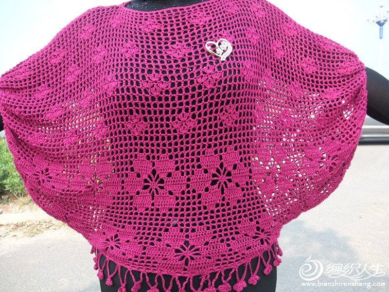 彩丝玫红竹棉钩的镂空蝙蝠衫