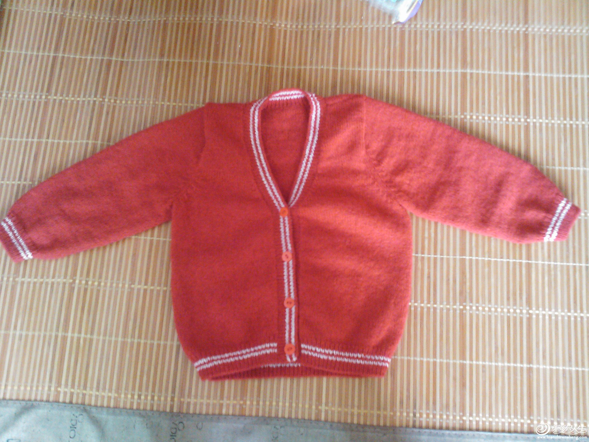 送给哥哥家小宝宝红色羊绒开衫