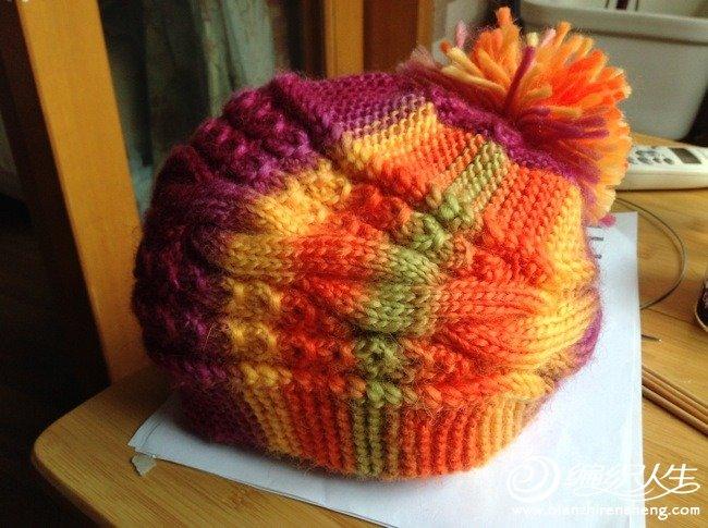 这个帽子年初就相中了,不过一直没动手,最近天冷了,又想起这个帽子,于是网上找来图示,照着织了一顶。发 ...