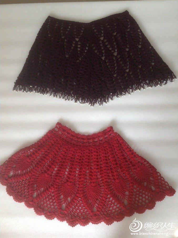 深紫红是买的1.6斤的澳毛,织了两条连衣裙剩下的线钩的。红色是机制羊绒裙后剩下的