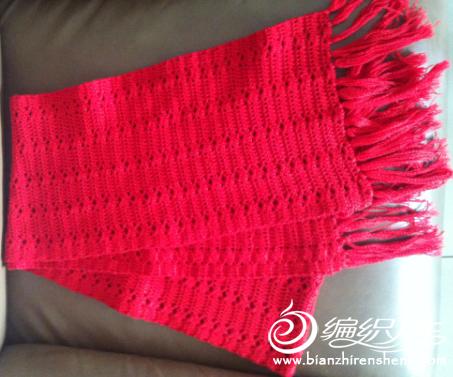 红色围巾.jpg