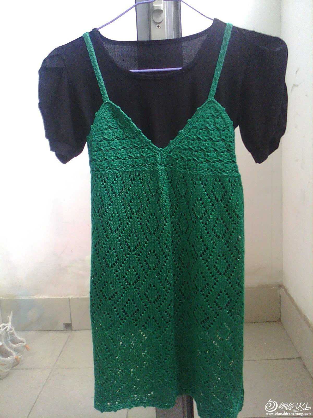 外贸 绿色夹亮丝钩织结合吊带裙1.JPG