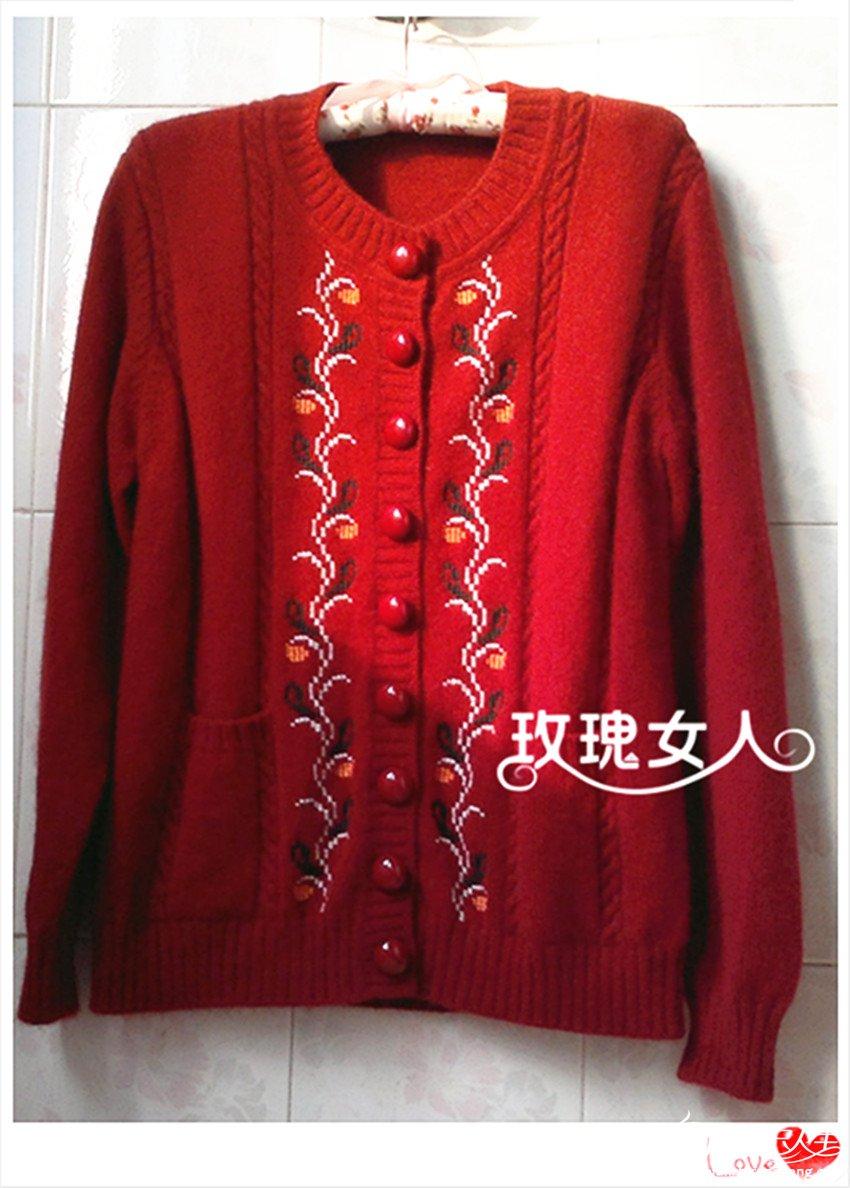 红色羊绒衣.jpg